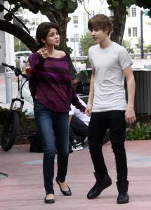 Justin Bieber and Selena Gomez Holding Hands?