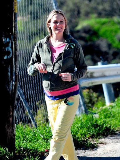 Alicia Silverstone keeping up her healthy lifestyle while pregnant.