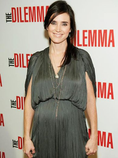Jennifer Connelly Glowing!